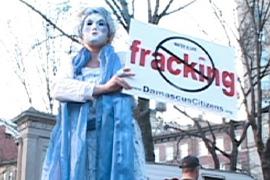 frack-stilt-lady-crop_thumb